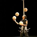 Image du numéro de jonglerie/photo from big ball juggling act - Yamato